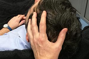 Massage crânien qui procure une détente immédiate